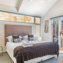 Beach House Bedroom with Ensuite and Outdoor Living