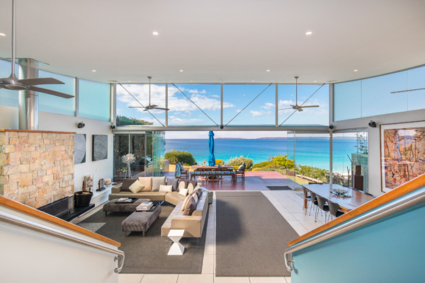 luxury hyams beach accommodation