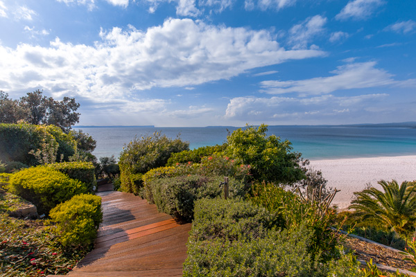 direct access to hyams beach